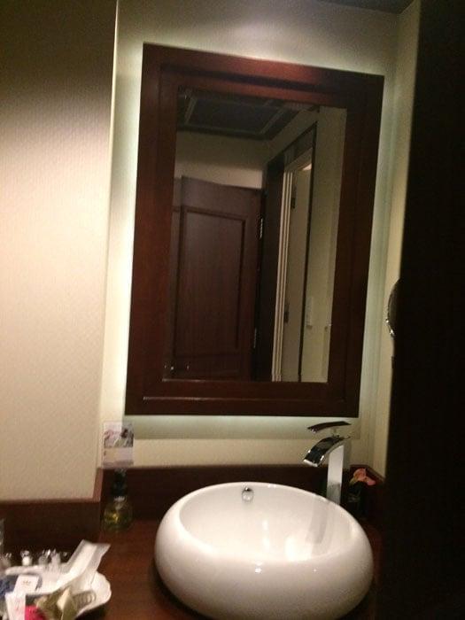 ラブホテルの洗面所