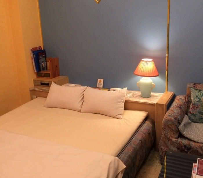 大阪キタのラブホのベッド
