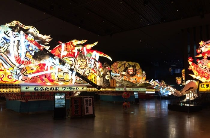 ねぶた祭り資料館の山車