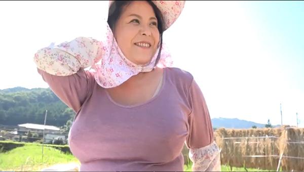 農家を継ぐLカップ爆乳爆尻のぽっちゃり熟女!八木あずさ